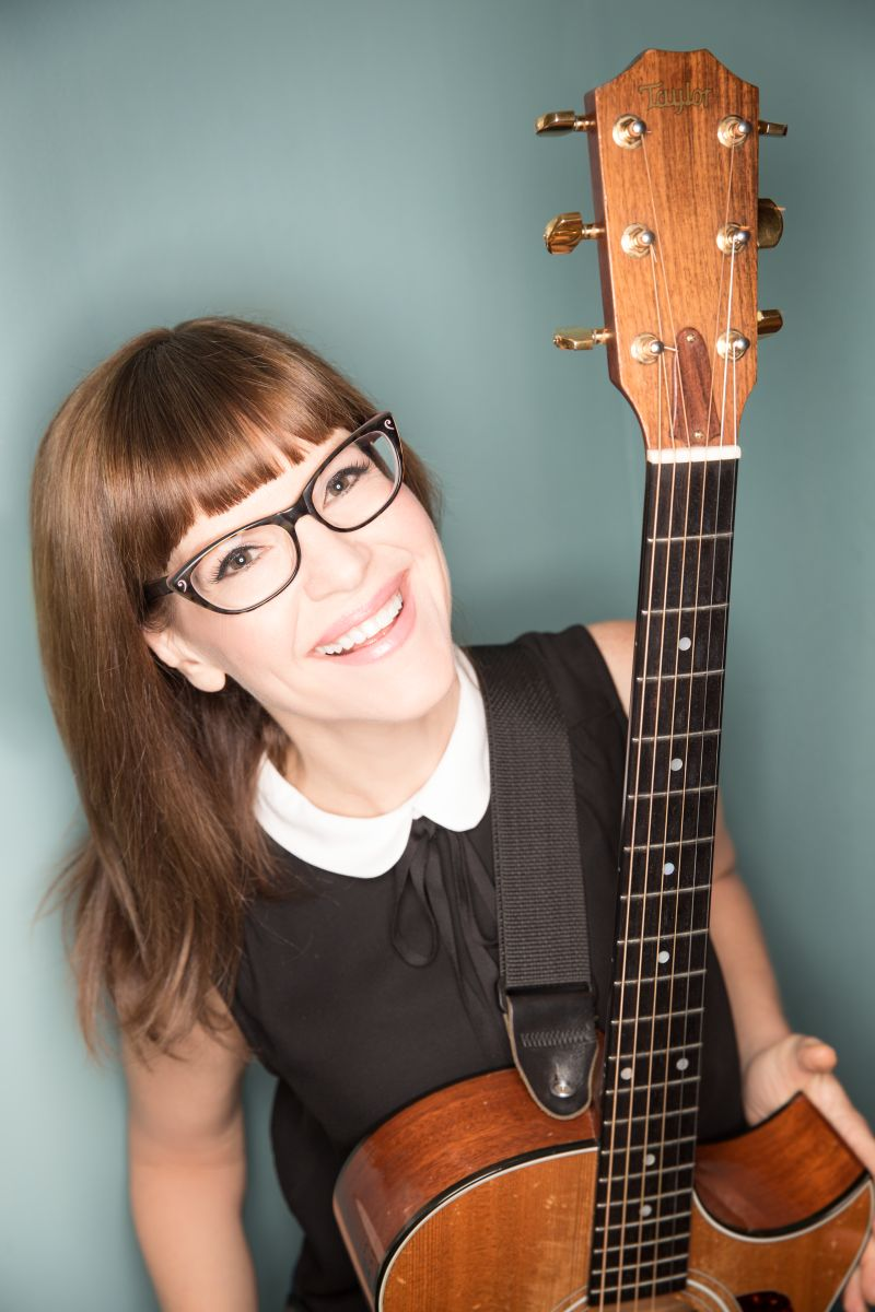 Picture of Lisa Loeb